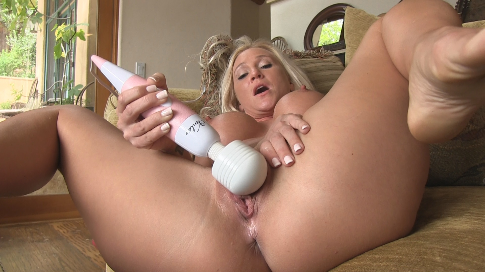 FTV Milfs Alexis Masturbating with Magic Wand