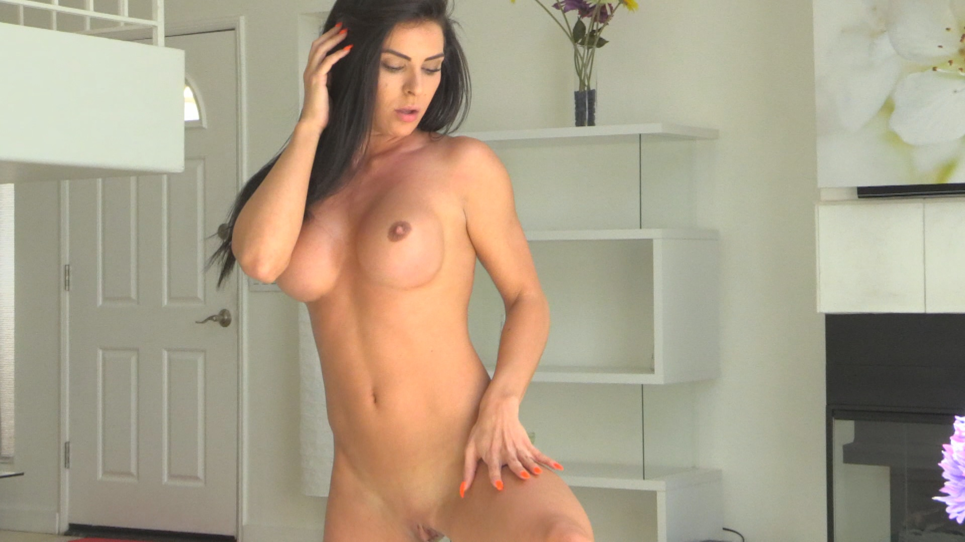 Sexy FTV MILFs Inna Dancing Naked